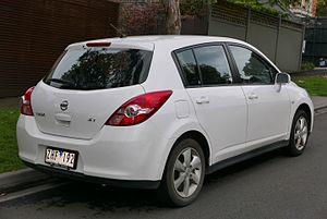 Nissan Tiida - Facelift Nissan Tiida ST hatchback