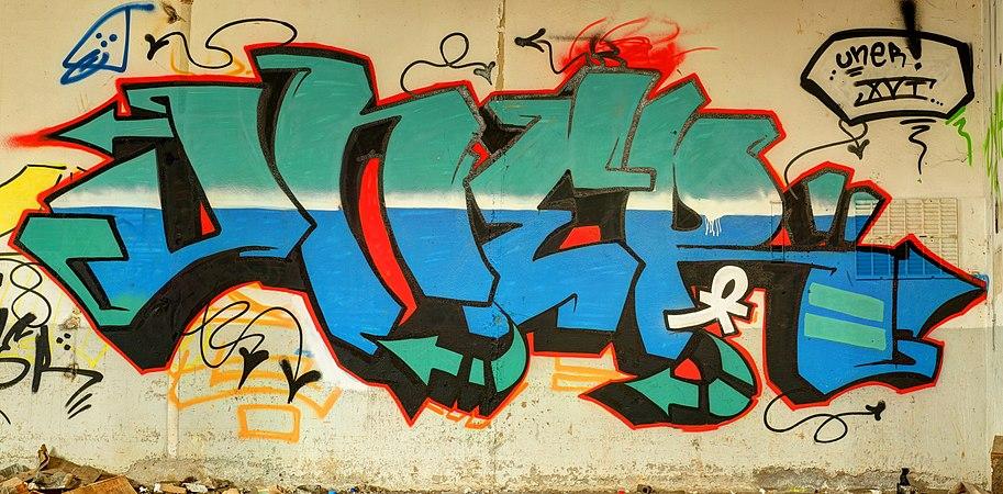 2014-03-01 10-19-20 graffiti-usine-zvereff.jpg