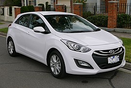 2014 Hyundai i30 (GD2 MY14) Trophy 5-door hatchback (2015-07-24) 01.jpg