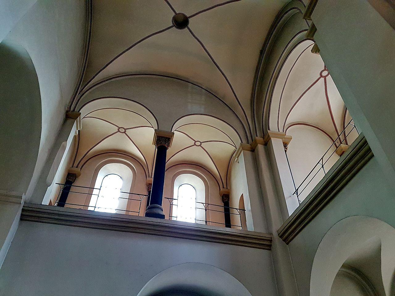 Bestand 2016 westwerk st servaasbasiliek interieur for Interieur wikipedia