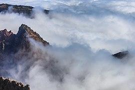 2016 Nubes desde o Pico do Areeiro Madeira Portugal-2.jpg