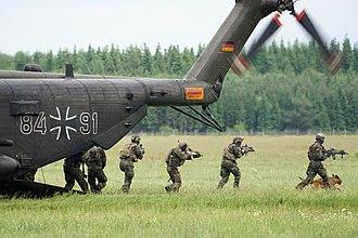 Kommando Spezialkräfte - KSK air insertion training (2017)