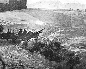 Southern Rhodesia in World War II - A Rhodesian 25-pounder gun in action in the snow at Ripoli, near Florence, late 1944