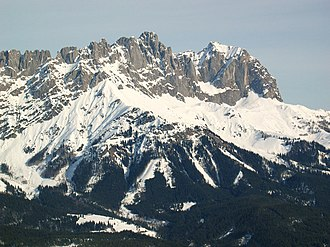 Ackerlspitze - Ackerlspitze (centre) and Maukspitze (right), seen from Hartkaiser (southwest)
