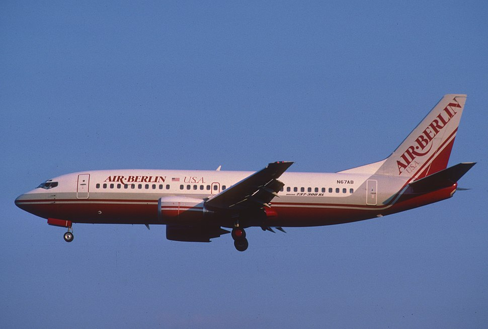 Air Berlin USA Boeing 737-3Y0; N67AB, July 1986 BGT (5066918954)
