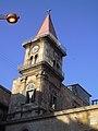 Aleppo (Halab), Strassenansicht mit Turm der Armenischen Kirche (38674550092).jpg