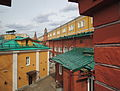 Alexandrovsky Garden - Upper Garden, guard quarters, view from Troitsky bridge (2015) by shakko 01.jpg