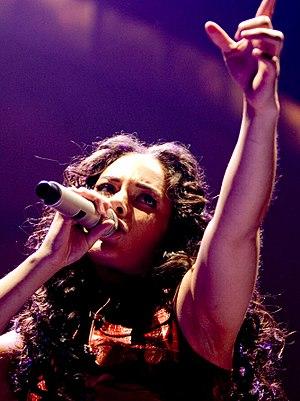 Alicia Keys sing