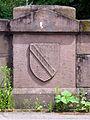Altes Widerlager mit badischem Wappen an der Kaiserstuhlbrücke in Freiburg.jpg