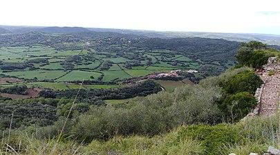 Amunt castell de santa águeda la costa sud de ciutadella.jpg