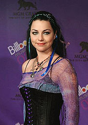 Die Sängerin der Band, Amy Lee 2003 bei den Billboard Awards
