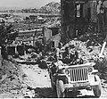 Ankona po zdobyciu przez żołnierzy 2 Korpusu Polskiego NAC 24-479-5.jpg