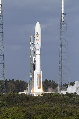 Atlas V after the climbflight from Launch Pad 41 was begun.jpg