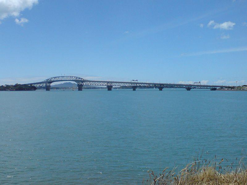 File:Auckland Harbour Bridge Watchman.jpg