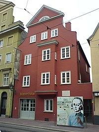 Augsburg-Mozarthaus renoviert2006.jpg