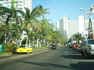 Avenida Costera Miguel Alemán de Acapulco, México