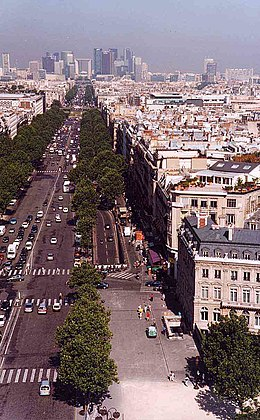 Avenue de la Grande Armée, seen from the Arc de Triomphe, 2003.jpg