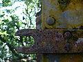Bagne royale depot petrole porte rust lock.jpg