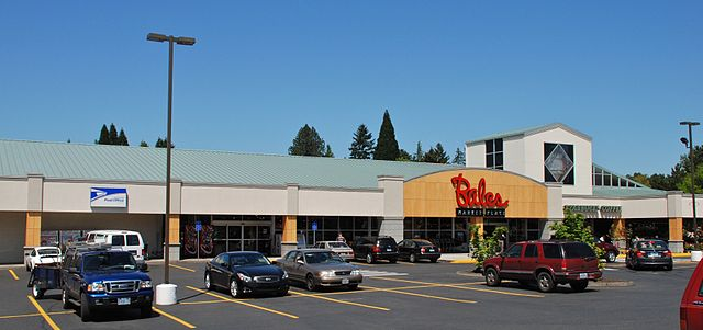 File bales marketplace thriftway in cedar mill oregon for The cedar mill
