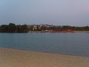 Banovo Brdo - Banovo Brdo seen from the Ada Ciganlija lake