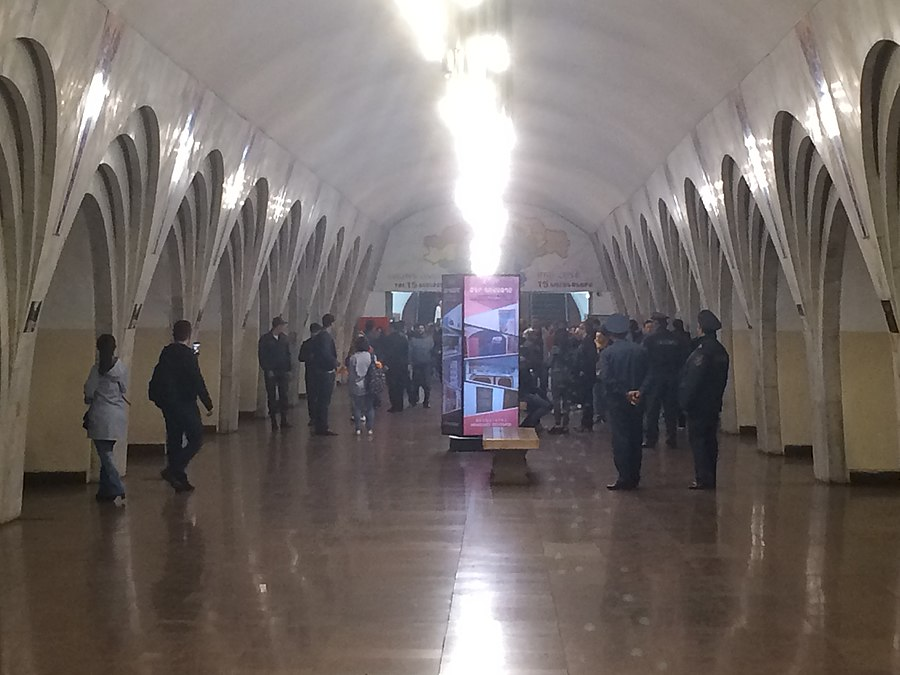 Barekamutyun metro station during the 2018 Armenian protests.jpg