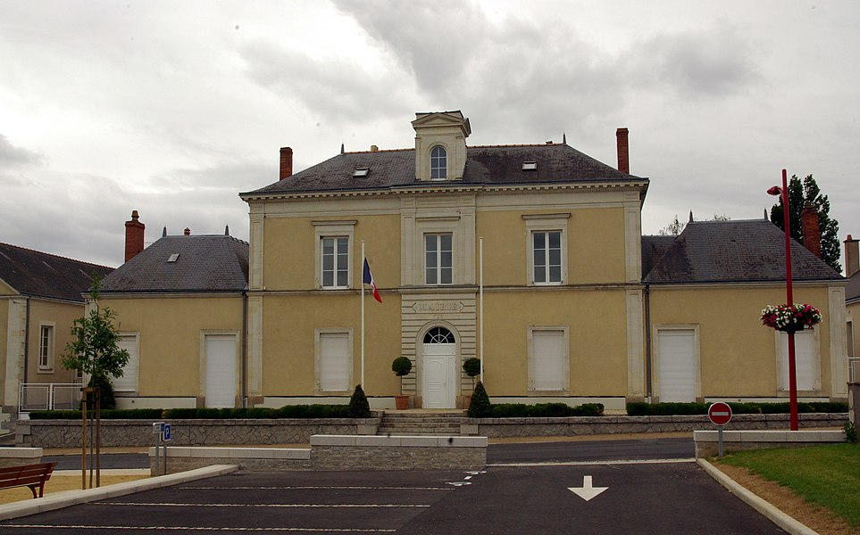 City Hall of Bécon-les-Granits