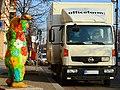 Berlin bear + Nissan Atleon. Spielvogel 2013.JPG