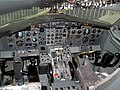 Boeing 737 flight deck museum.jpg