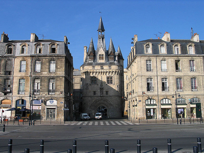 Fichier:Bordeaux Porte Cailhau.jpg