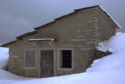 Stalla per bovini, vicino Malga Dossetti Bosco Chiesanuova ctg Lessinia 2013