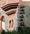 Bossenquader mit Kantenschlag aus Londorfer Lungstein Villa Haas.jpg