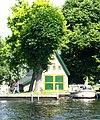 foto van 't Sonnehuys: botenhuis