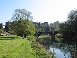 Bouillon (Belgique); le vieux pont sur la Semois et le château-fort (Xe–XVIe siècles)