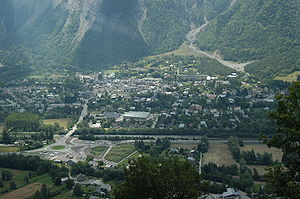 Bourg d'Oisans overview.jpg