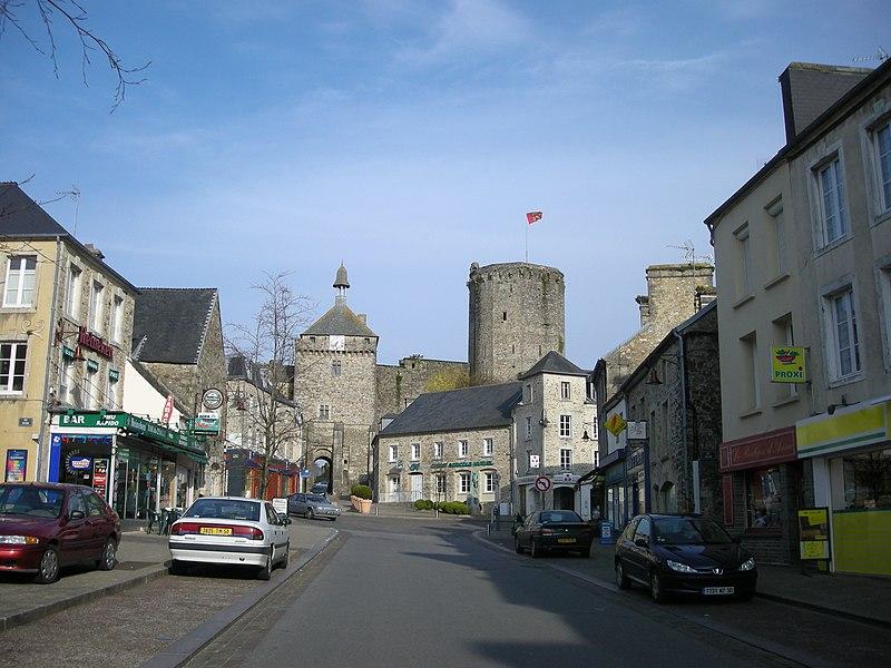 Rue de Bricquebec (Manche, Normandie, France)