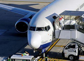 Port Elizabeth Airport - British Airways Comair 737-400 at Port Elizabeth International Airport
