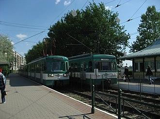 Budapest metropolitan area - Budapest suburban railway HÉV at an inner city station