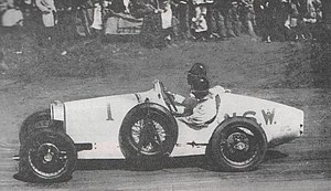 Bill Thompson (racing driver) - Bill Thompson (Bugatti Type 37A) contesting the 1932 Australian Grand Prix