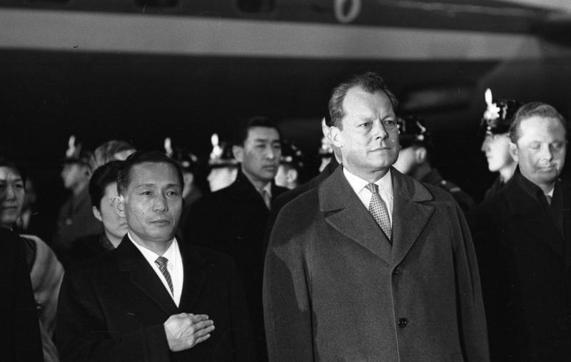 Bundesarchiv B 145 Bild-F019521-0007, Berlin, Staatsbesuch Präsident von Süd-Korea