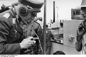 Military communications - Officer using radio, 1940