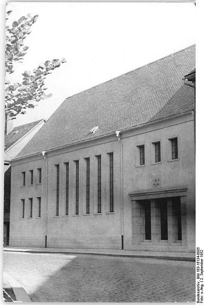 File:Bundesarchiv Bild 183-16134-0005, Erfurt, Synagoge.jpg