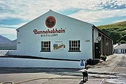 Bunnahabhain Destillery.jpg