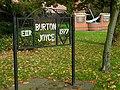 Burton Joyce Monuments - geograph.org.uk - 278212.jpg
