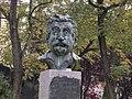 Busto a Giovannino Guareschi.jpg