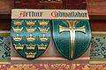 Cardiff Castle - Bibliothek Wappen Arthur.jpg