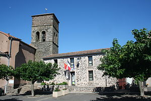 Carlencas-et-Levas - Church St-Martin and town hall