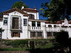 Manuel Mujica Láinez - The Paradise, his villa in Córdoba (architect: León Dourge)