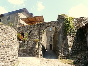 Casola in Lunigiana - Gate of the historical centre.