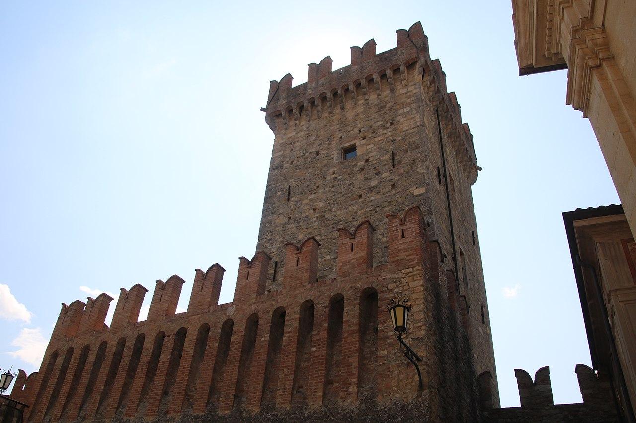Castello di Vigoleno (Vernasca) 05.jpg