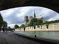 Cathédrale Notre Dame de Paris, chevet.jpg